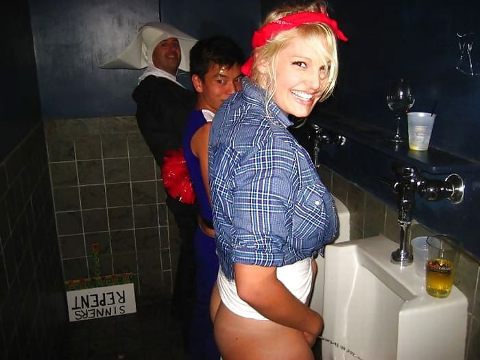 Piss like a man - woman peeing standing up!
